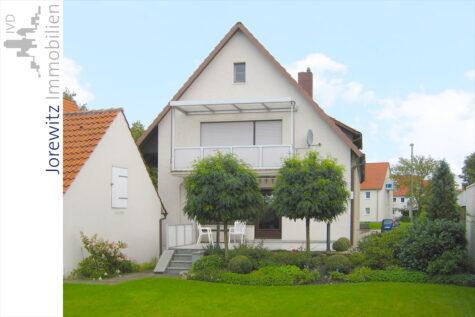 Gemütliche 3,5 Zimmer-Wohnung in attraktiver Lage von Bielefeld-Heepen, 33719 Bielefeld, Dachgeschosswohnung