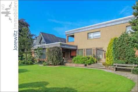 Großzügiges Zweifamilienhaus mit Gewerbeteil in Bielefeld-Milse,  Bielefeld, Zweifamilienhaus
