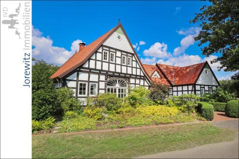 Wohntraum in Spenge: Kernsaniertes Fachwerkhaus mit tollem Garten und Teich, 32139 Spenge, Bauernhaus
