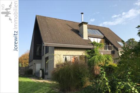 Einfamilienhaus mit Garten, Teich und weiteren Kaufoptionen (Scheune, Obstwiese) in Leopoldshöhe, 33818 Leopoldshöhe, Einfamilienhaus