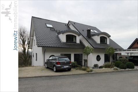 Top Hanglage in Oerlinghausen: Haus im Haus mit traumhaften Fernblick, 33813 Oerlinghausen, Maisonettewohnung