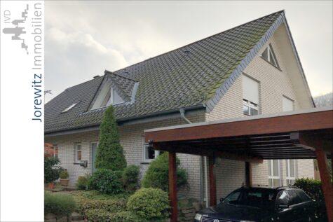 Oerlinghausen: Ansprechende Doppelhaushälfte in ruhiger Waldrandlage (Sackgasse), 33813 Oerlinghausen, Doppelhaushälfte
