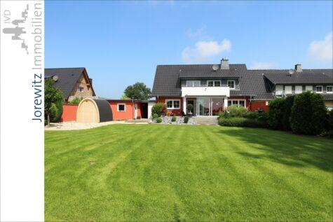 Wohntraum im Grünen: Exklusives und modernes Einfamilienhaus in Spenge mit tollem Gartengrundstück, 32139 Spenge, Einfamilienhaus
