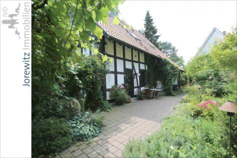 Saniertes Fachwerkhaus mit tollem Gartengrundstück zwischen Bielefeld-Heepen und Oldentrup, 33719 Bielefeld, Einfamilienhaus