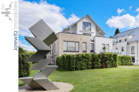 Bielefeld-Hoberge: Exklusive 6 Zimmer-Maisonette-Wohnung mit 2 Terrassen und Balkon in Top-Lage, 33619 Bielefeld, Terrassenwohnung