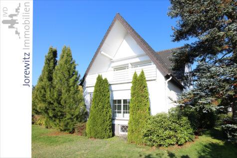Südhang in Bi-Theesen: Großzügiges Einfamilienhaus mit schönem Gartengrundstück und Doppelgarage, 33739 Bielefeld, Einfamilienhaus