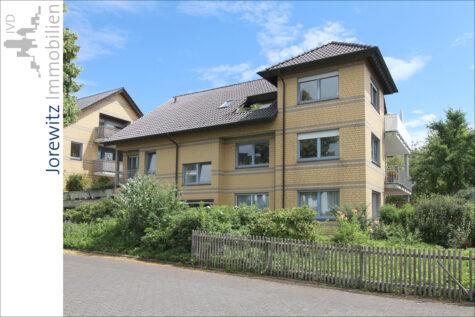 Wohnen im Herzen von Bielefeld-Theesen: 4 Zimmer-Wohnung mit großem Balkon, 33739 Bielefeld, Etagenwohnung