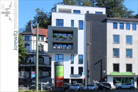 Bielefeld-City – unterhalb der Sparrenburg: Moderne 4 Zimmer-Wohnung mit Balkon, 33602 Bielefeld, Etagenwohnung
