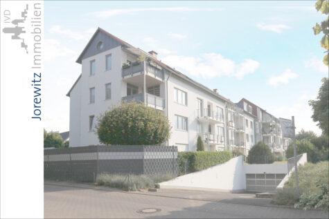 Bielefeld-Jöllenbeck: Sonnige 2 Zimmer-Wohnung mit schönem Balkon, 33739 Bielefeld, Etagenwohnung
