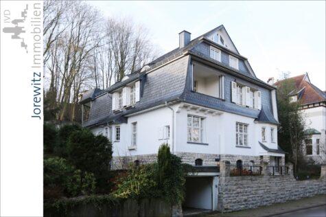 Bielefeld-Musikerviertel: Attraktive Altbauwohnung in einer Stadtvilla mit zwei Balkonen, 33604 Bielefeld, Etagenwohnung