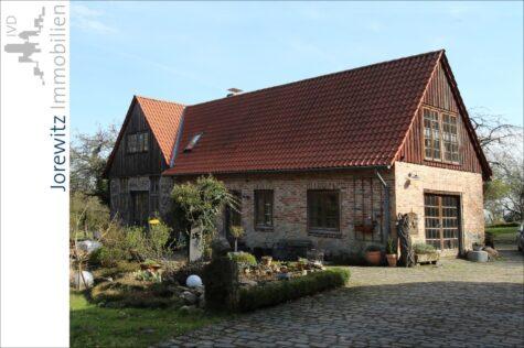 Sieker-Schweiz: Möblierte 2 Zimmer-Wohnung in Waldrandlage, 33605 Bielefeld, Dachgeschosswohnung