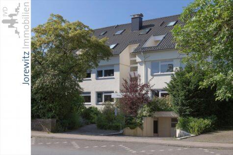 Bielefeld-West Nähe Oetkerpark: 4 Zimmer-Wohnung mit großer Terrasse, Garten und Sauna, 33615 Bielefeld, Erdgeschosswohnung