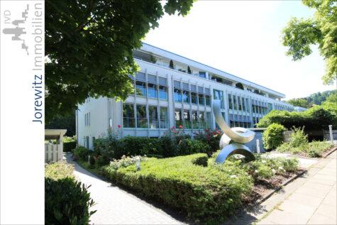 Bi-West – Wohnen am Oetkerpark: 4 Zimmer-Wohnung mit Einbauküche, Balkon und Wintergarten, 33615 Bielefeld, Etagenwohnung