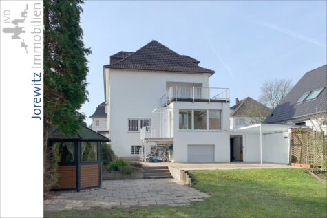 Absolute Spitzenlage am Oetkerpark: 3,5 Zimmer-Wohnung mit Terrasse und Garten in Bi-West, 33615 Bielefeld, Erdgeschosswohnung
