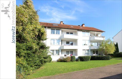Solide Kapitalanlage: 6-Familienhaus mit 6 Garagen in Bielefeld-Mitte, 33609 Bielefeld, Mehrfamilienhaus