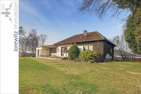 Wohnen auf einer Ebene: Bungalow mit schönem Gartengrundstück in Lage-Müssen, 32791 Lage, Bungalow