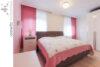 Bielefeld Sieker-Schweiz: Sanierte und familienfreundliche 4 Zimmer-Wohnung mit großer Dachterrasse - 013 - Schlafzimmer - Ansicht 2