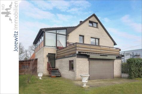 Familientipp in Bi-Mitte: Zweifamilienhaus in zentraler Lage – Nähe Lutherkirche, 33604 Bielefeld, Zweifamilienhaus