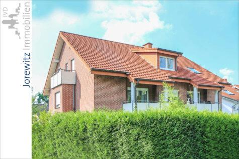 Hanglage Sieker-Schweiz: Gemütliche 2 Zimmer-Wohnung mit Balkon und Einbauküche, 33605 Bielefeld, Dachgeschosswohnung