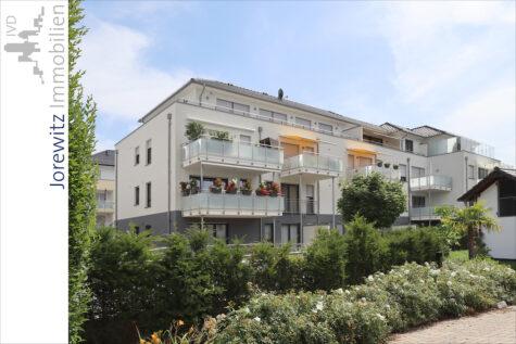 Bielefeld-Mitte: Moderne und sonnige 4 Zimmer Wohnung mit schönem Balkon, 33609 Bielefeld, Etagenwohnung