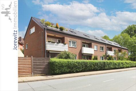 Bi-Mitte: Renovierte 3 Zimmer-Wohnung mit großem Balkon und Einbauküche am Grüngürtel der Lutter, 33607 Bielefeld, Dachgeschosswohnung
