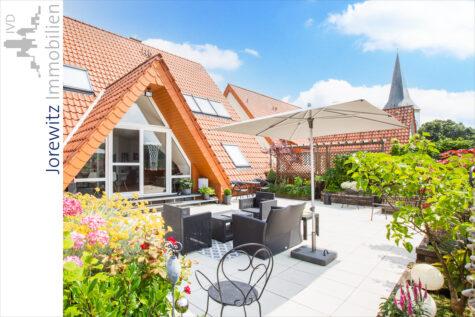 Altstadt-Oerlinghausen: 6 Zimmer mit traumhafter Dachterrasse und einzigartigem Panoramablick, 33813 Oerlinghausen, Maisonettewohnung